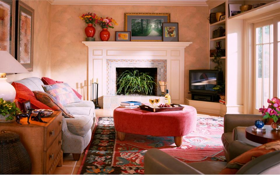 Гостиная с камином в квартире