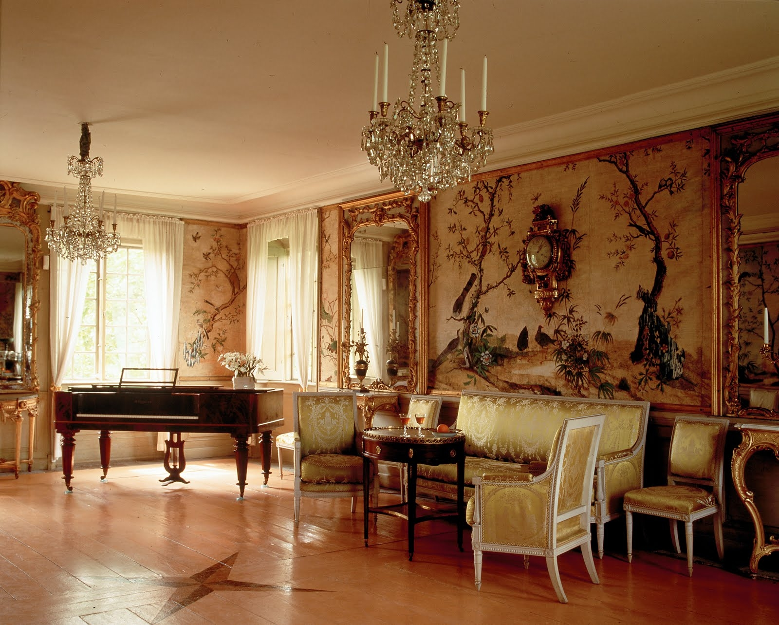 Интерьер в стиле рококо фото