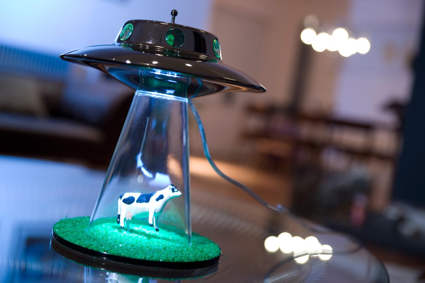 Лампа в космическом стиле