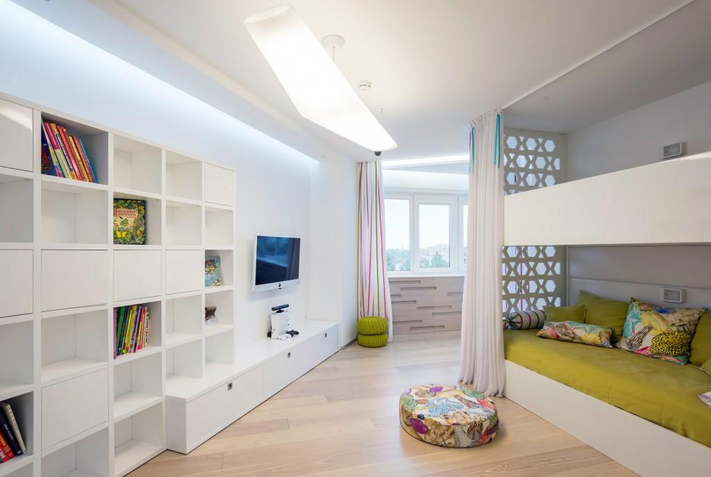 Просторная детская комната