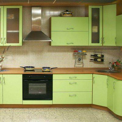Салатовая матовая кухня