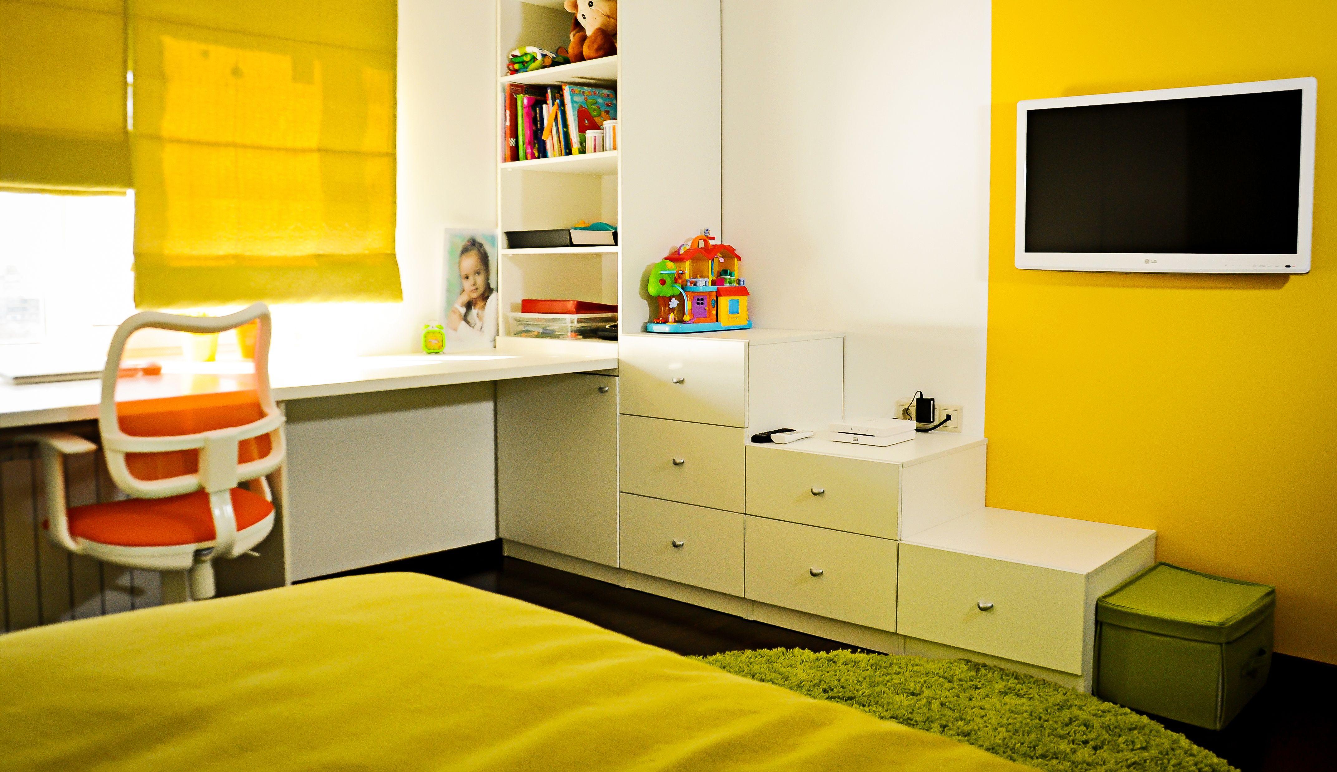 Желтые римские шторы для желтой детской