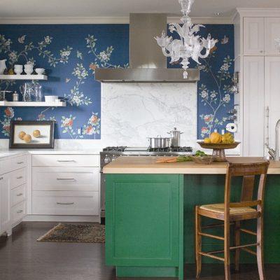 Трехцветная кухня эклектика