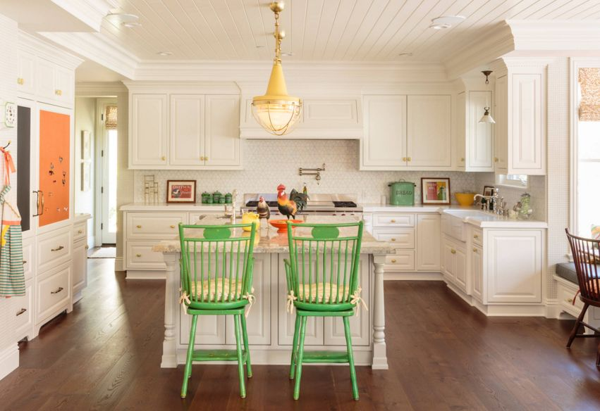 Цвет - это наиболее главная составляющая при выборе деталей для кухни эклектика