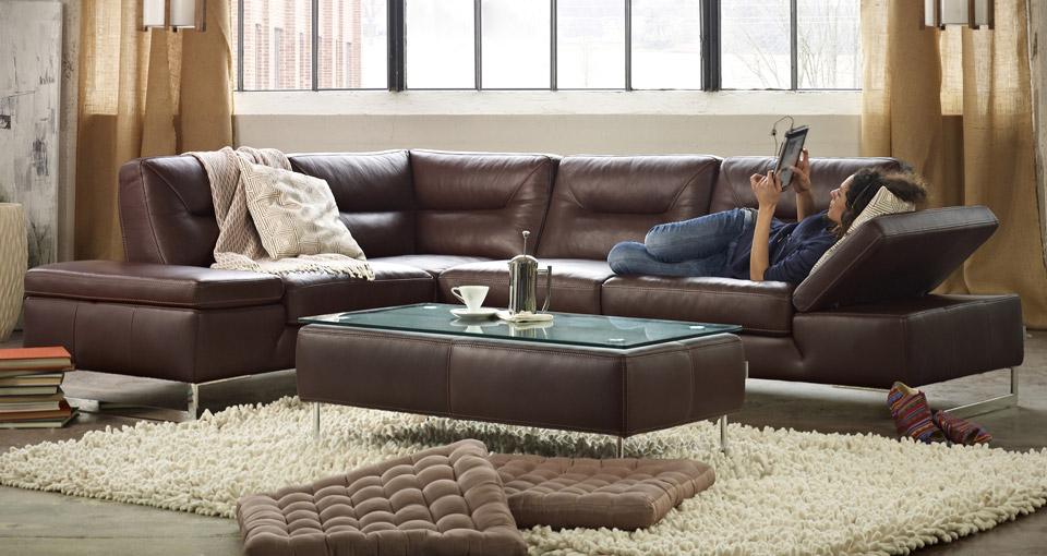 Удобство современных модульных диванов в том, что их легко трансформировать, приспосабливая не тольго под геометрию пространства, но и под нужды человека