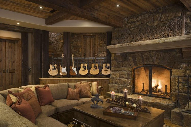 Живой камин - финальный аккорд для гостиной в прованском стиле