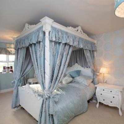 Голубая спальня в стиле рококо