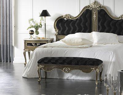 Шикарная спальня в стиле рококо