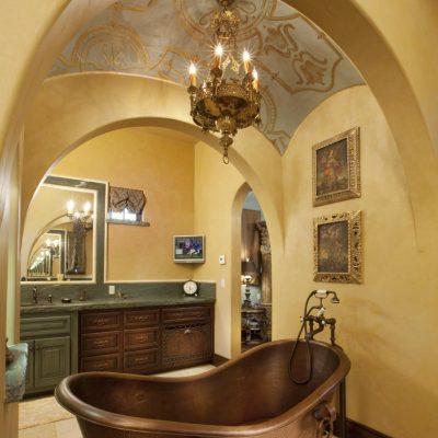 Ванная в средиземноморском стиле под сводами
