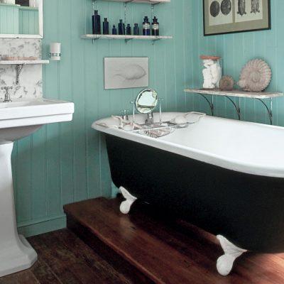 Простая ванная в морском стиле