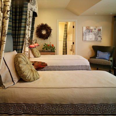Спальня греческого стиля