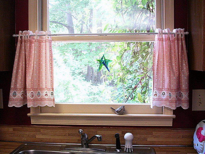 Как подобрать шторы для кухни в стиле кантри