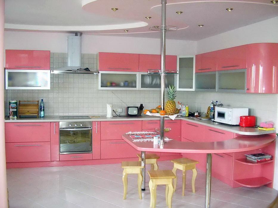 Посмотреть дизайн кухонь