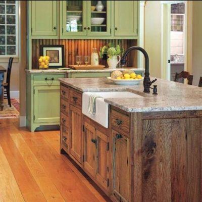 Зеленые оттенки гарнитура на кухне