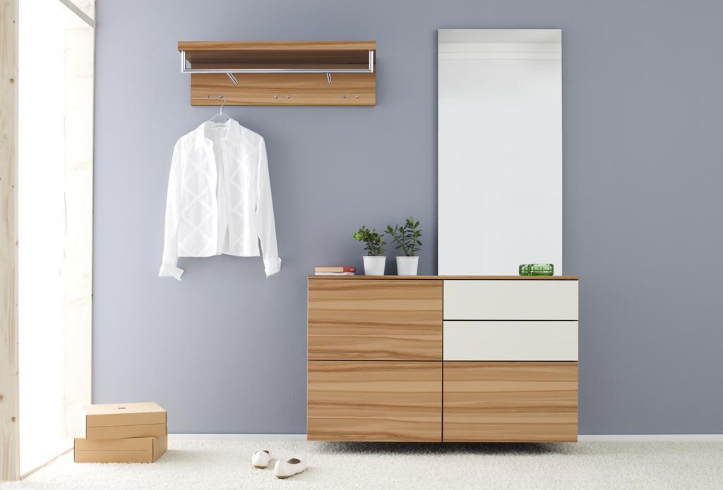 Белая мебель хай-тек для прихожей