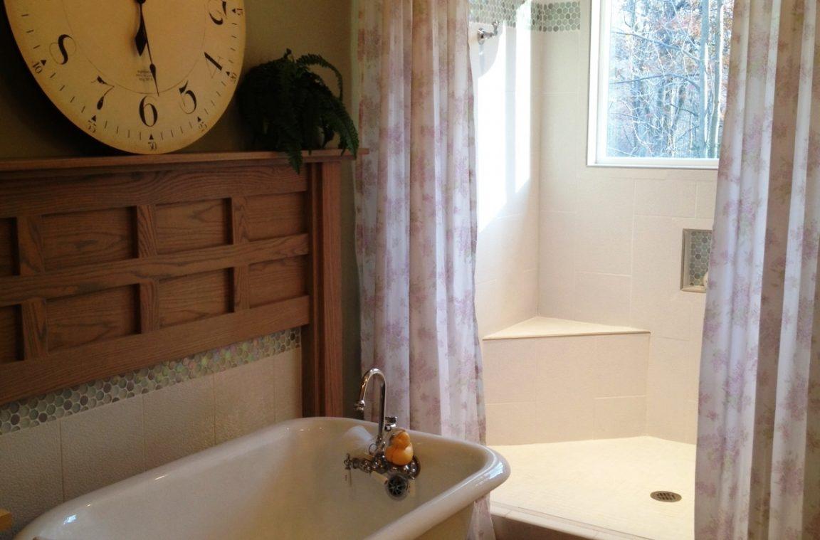 Cozy small bathroom renovations