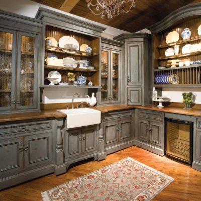 Шкафы в деревенском стиле