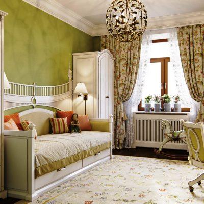 Комната с зелеными стенами