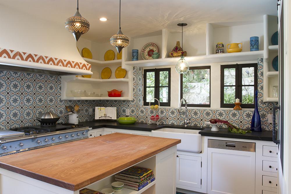 Марокканская плитка в интерьере кухни фото