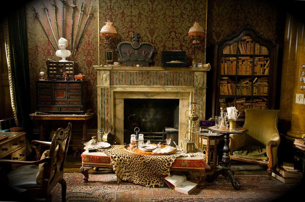 Ковер на полу в готическом стиле