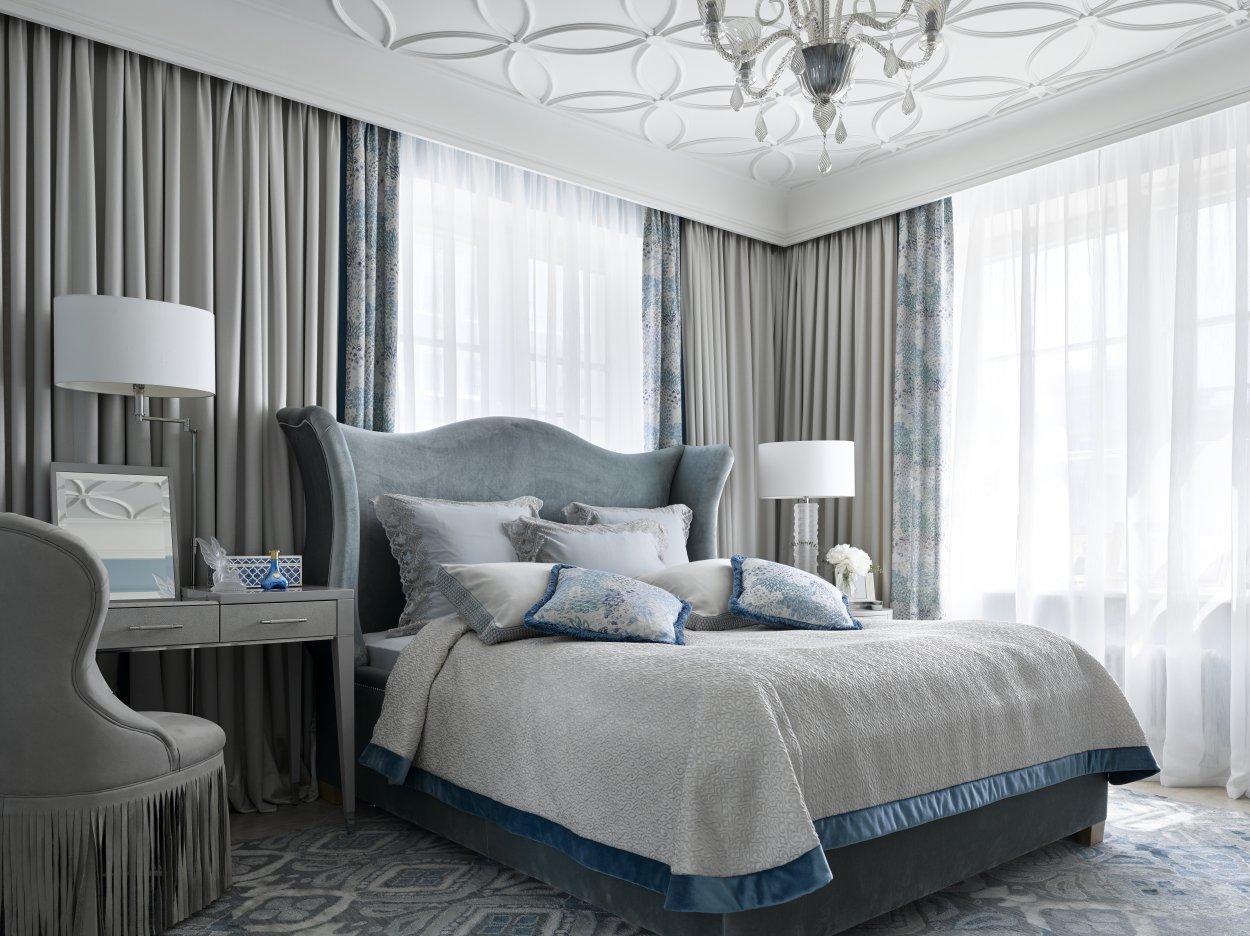 Небольшая спальня в английском стиле