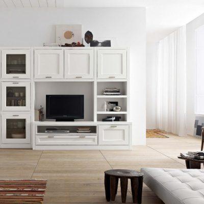 Корпусная мебель в гостиной комнате белого цвета