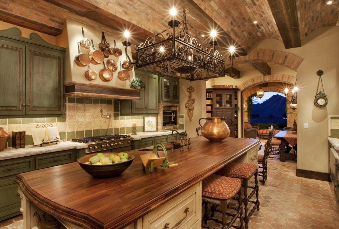 Уютная семейная кухня
