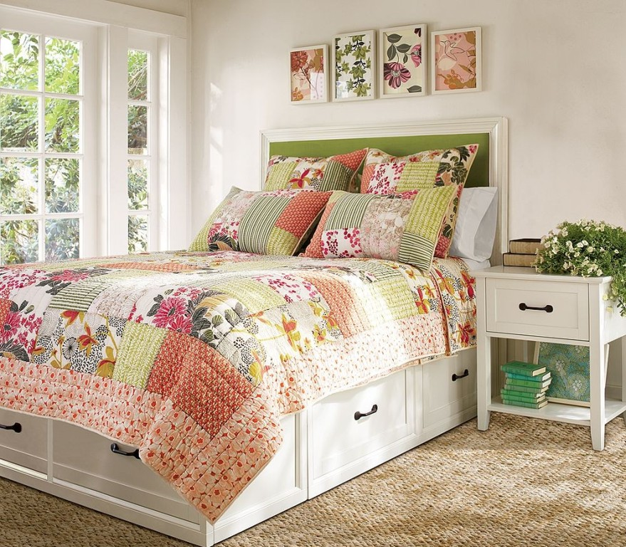 Смелые решения для спальни в стиле кантри