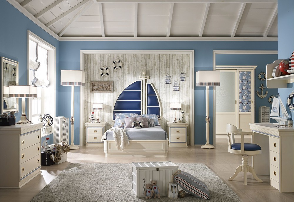 Качественная мебель в детской в морском стиле