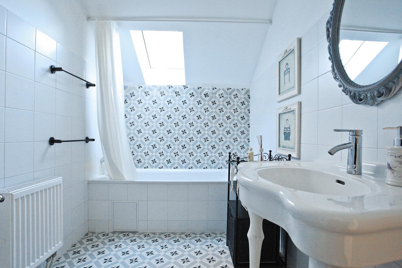 Уютный интерьер ванной комнаты в китайском стиле