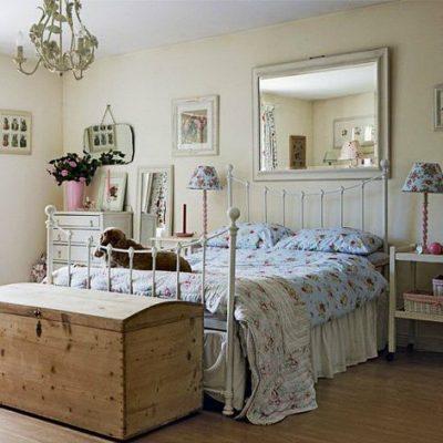 Уникальная спальня в стиле кантри