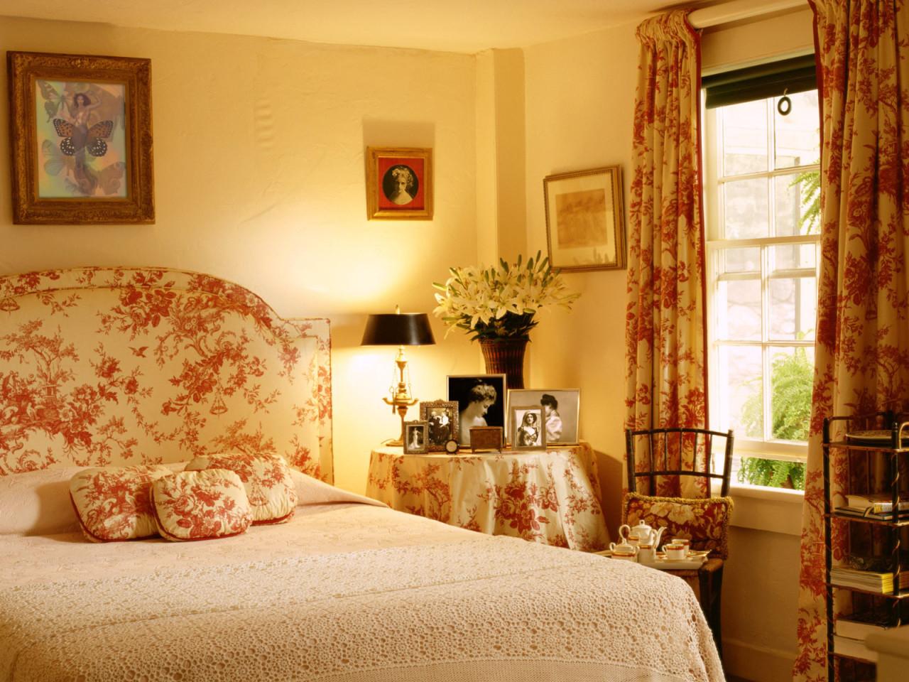 Узоры и рисунки в спальне