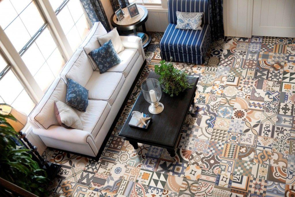 плитка в гостиной в средиземнаморском стиле