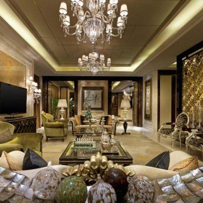 Богатая декорация гостиной