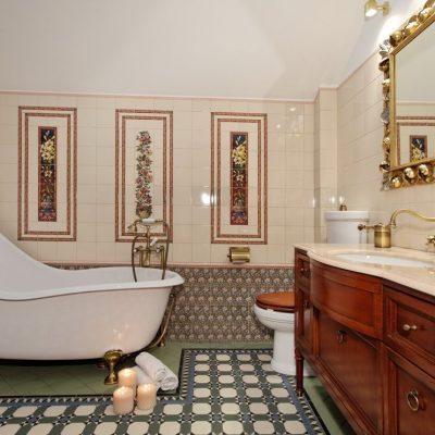 Ассиметричная ванна в викторианском стиле