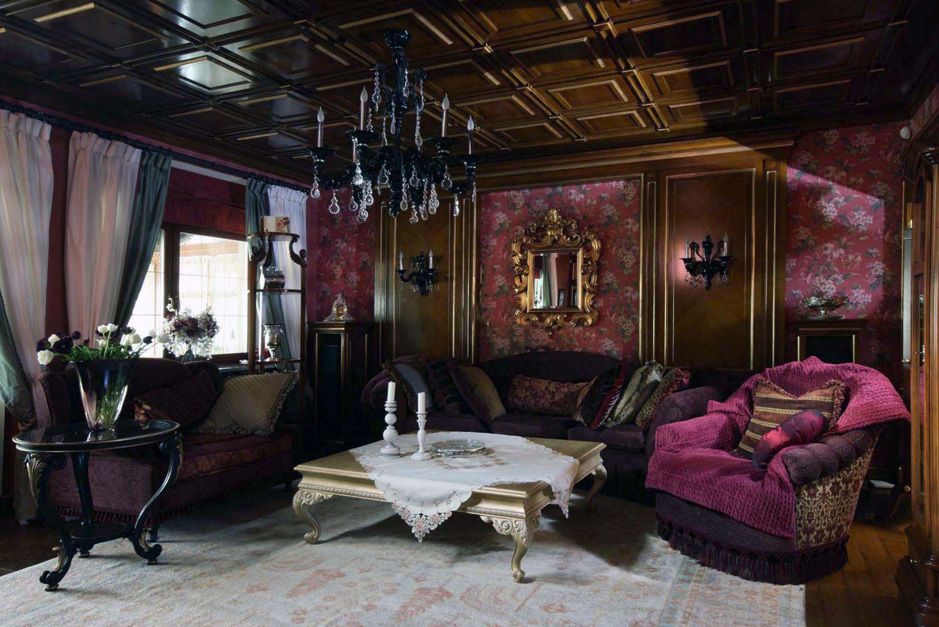 Глубокие оттенки для оформления готического интерьера