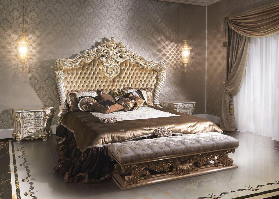 Стиль барокко - это сочетание витиеватой орнаментики и массивности тканей и материалов