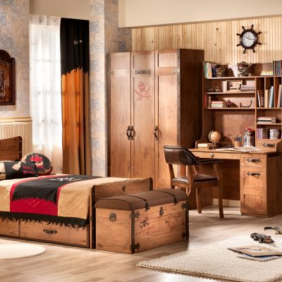 Деревянная мебель в морском стиле