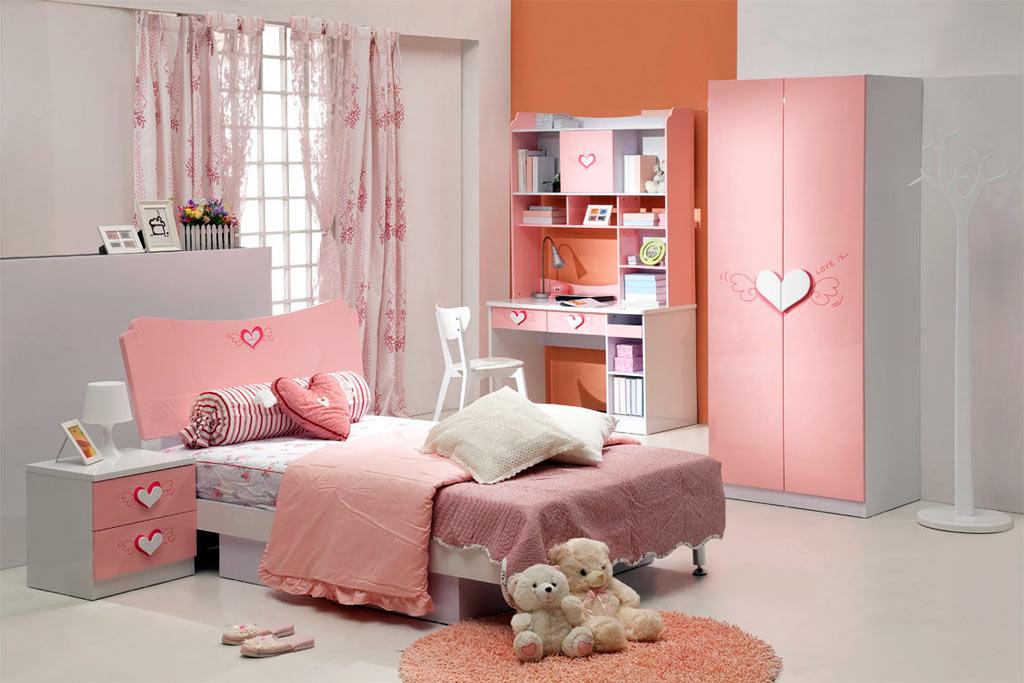 Изголовье кровати может быть направлено в любую часть света, все зависит от желания родителей усилить те или иные качества ребенка