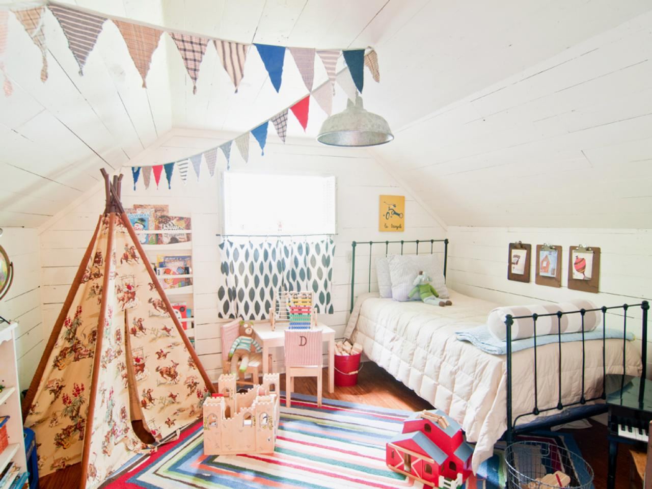 Согласно фен-шую, цвет стен для комнаты ребенка предпочтителен светлый и спокойный