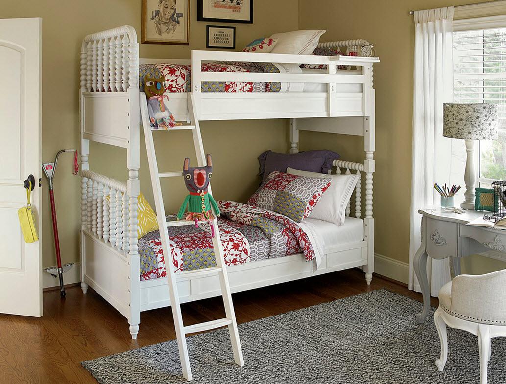 Двухъярусная кровать в детской в стиле прованс