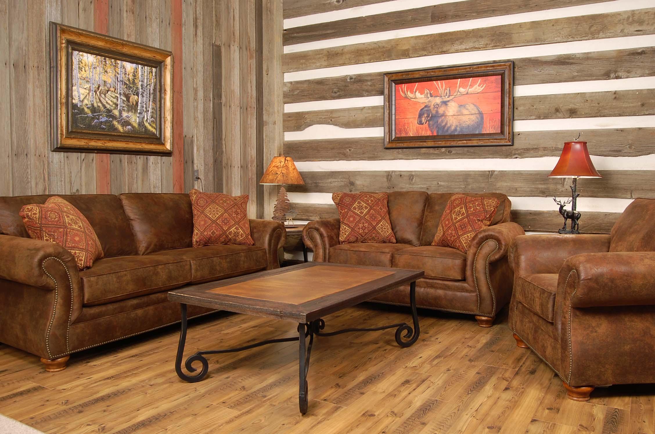 """Антикварная или мебель """"под старину"""" подчеркнет деревенский стиль гостиной"""