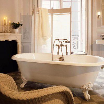 Камин в ванной в викторианском стиле