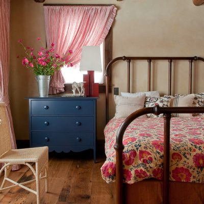 Спальня в стиле английского кантри
