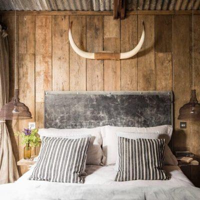 Оформление спальной зоны в стиле кантри