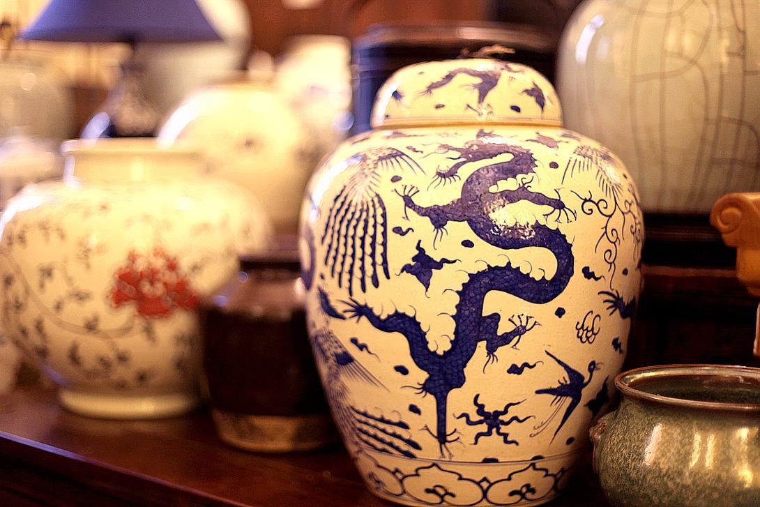 Китайские вазы для кабинета в английском стиле