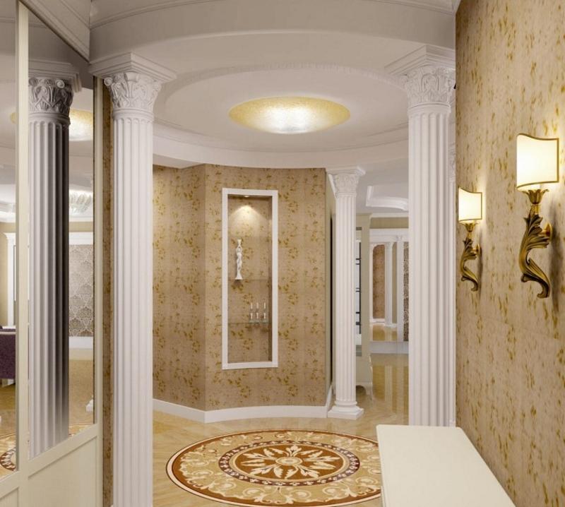 Колонны в коридоре в стиле неоклассики