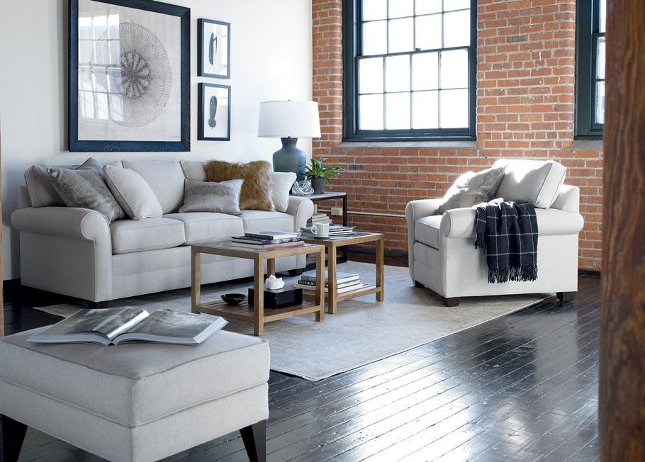 Мебель в светлых тонах позволит визуально увеличить простанство