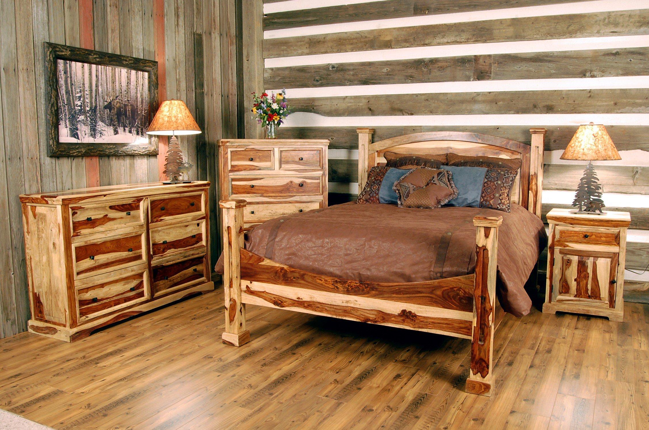 Мебель из бревна в деревенской спальне