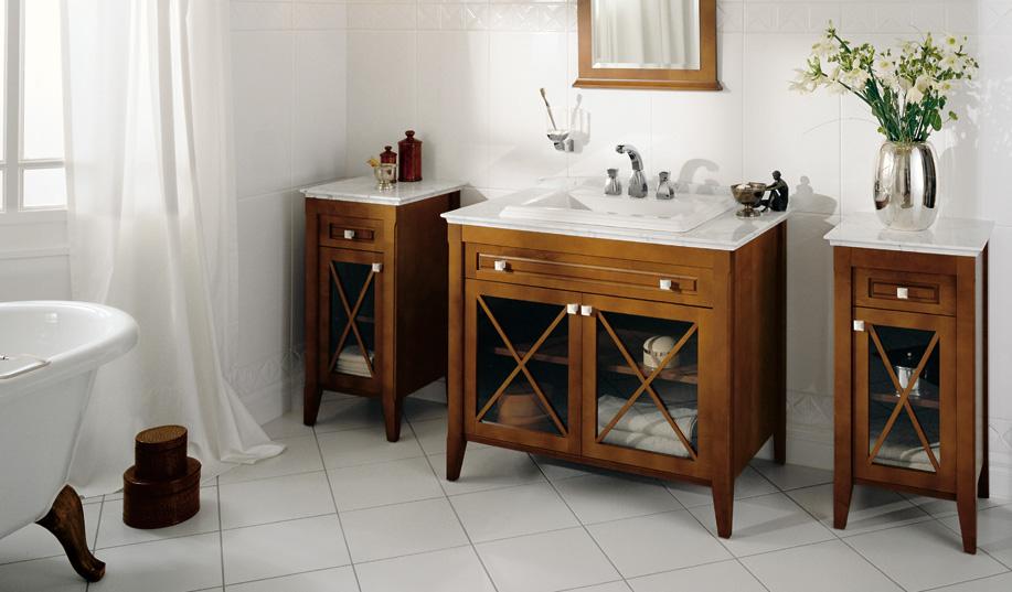 Мебель из дерева в ванной в стиле ретро